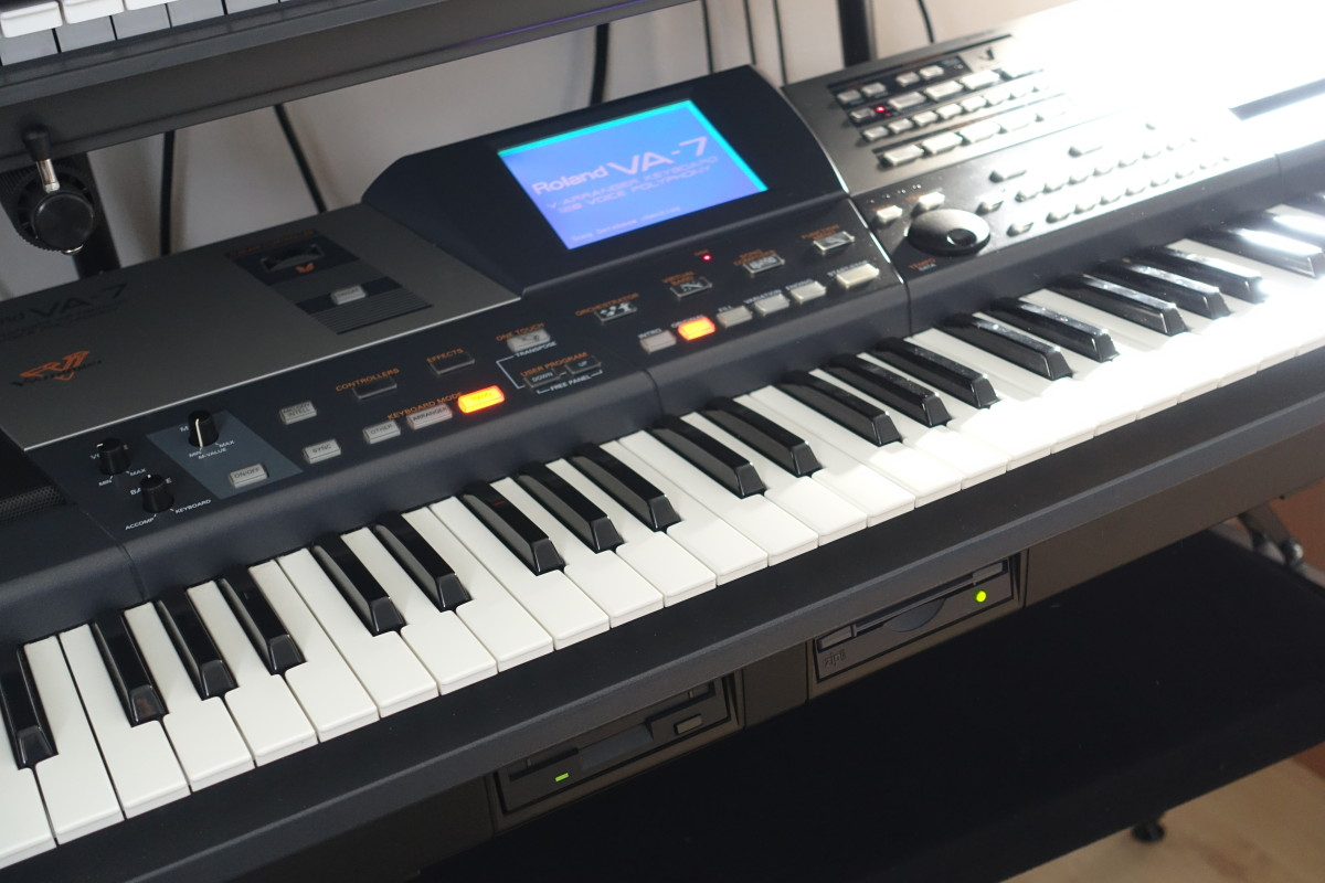 Roland VA-7