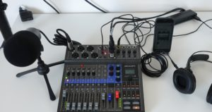 Zoom LiveTrak L-8 mit ZDM-1 und ZHP-1